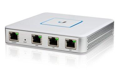 Ubiquiti Networks USG gateway/controller